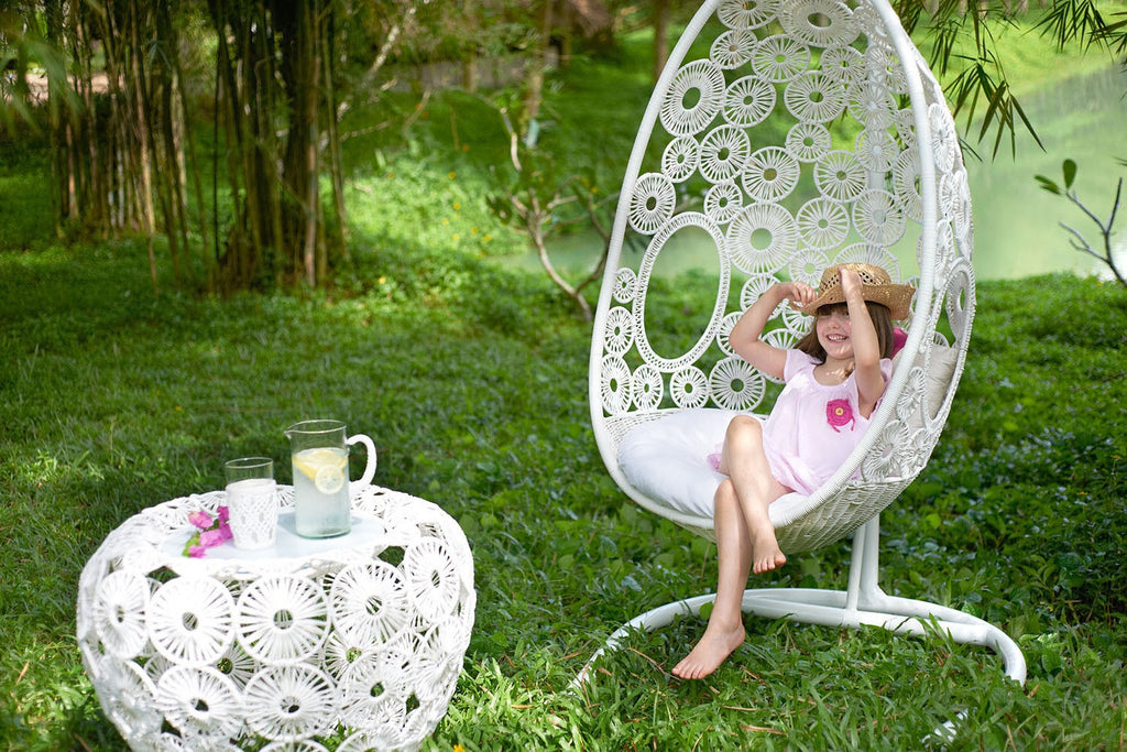 5 Great Reasons For An Outdoor Swinging Chair
