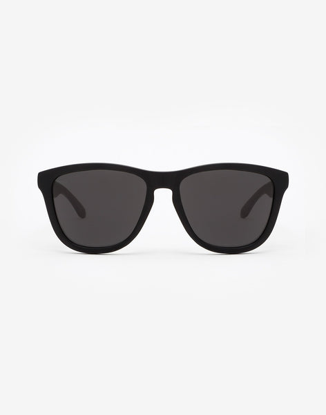 Polarized Carbon Black · Dark One