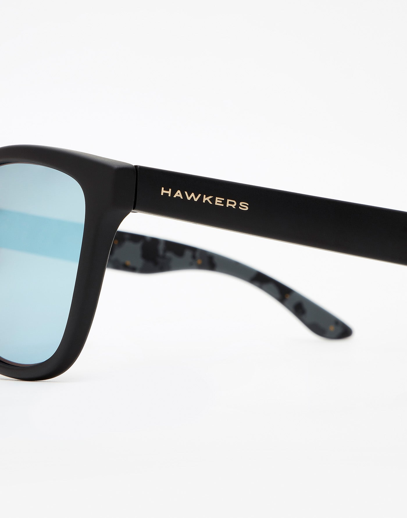Messi x Hawkers · Carbon Black Blue Chrome One