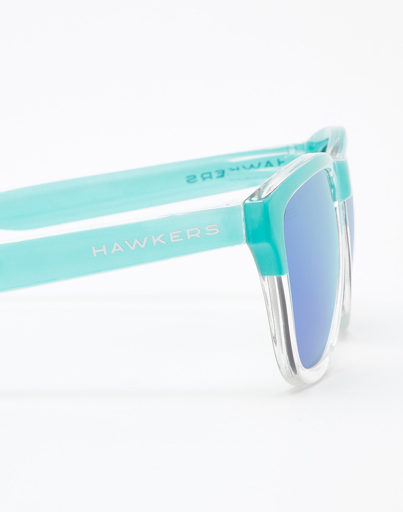 Bicolor Tiffany · Clear Blue One