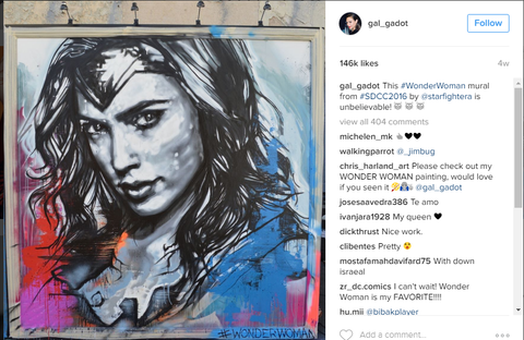 new york comic con, gal gadot, nycc, lower east side, frames and stretchers, art delivery van, clemente building