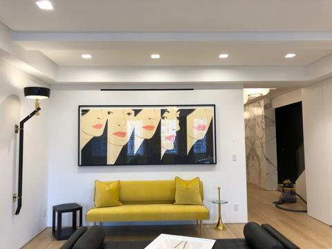 Alex_Katz_Artwork_Installation_Frames_And_Stretchers_NYC