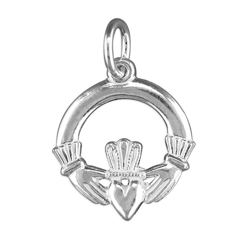 Silver Claddagh pendant and chain complete with presentation box