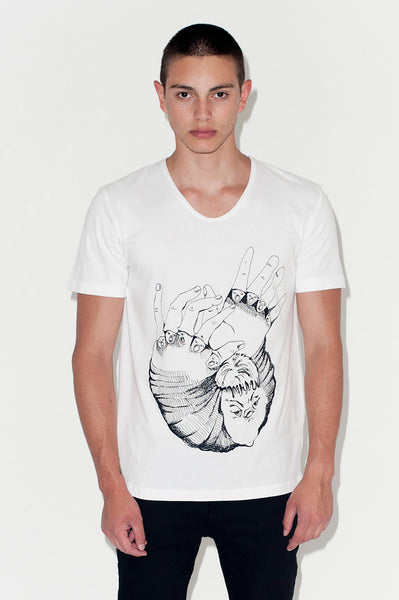 T-Shirt: HANDS ARE TALKING | Artist: Kristina Knoblich - Streetwear - Ingmar Studio