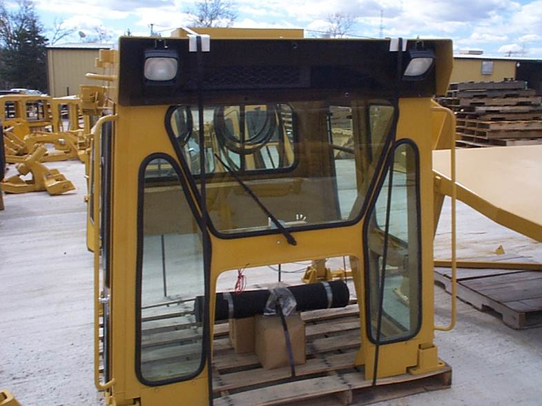 D5B Enclosed ROPS Cab Kit, Diamond 39F (Cat D4E, D5B, D6D & D6E)