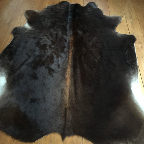 Dark Brown/Light Chestnut  Spine Cow Hide Dimensions L 167cm x W 180 cm