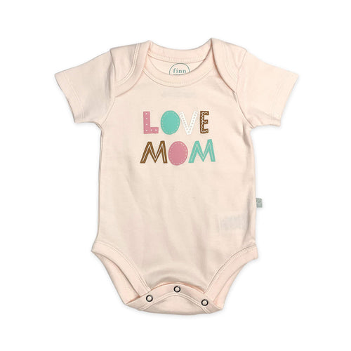 Baby graphic bodysuit | love mom pink finn + emma