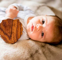 wood rattle teether [lion]