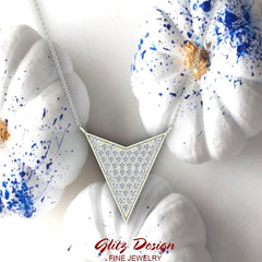 14K Gold Chevron Shape Arrow Pendant Pavé set Diamonds Necklace 0.50 Carat Total Weight (G,SI)