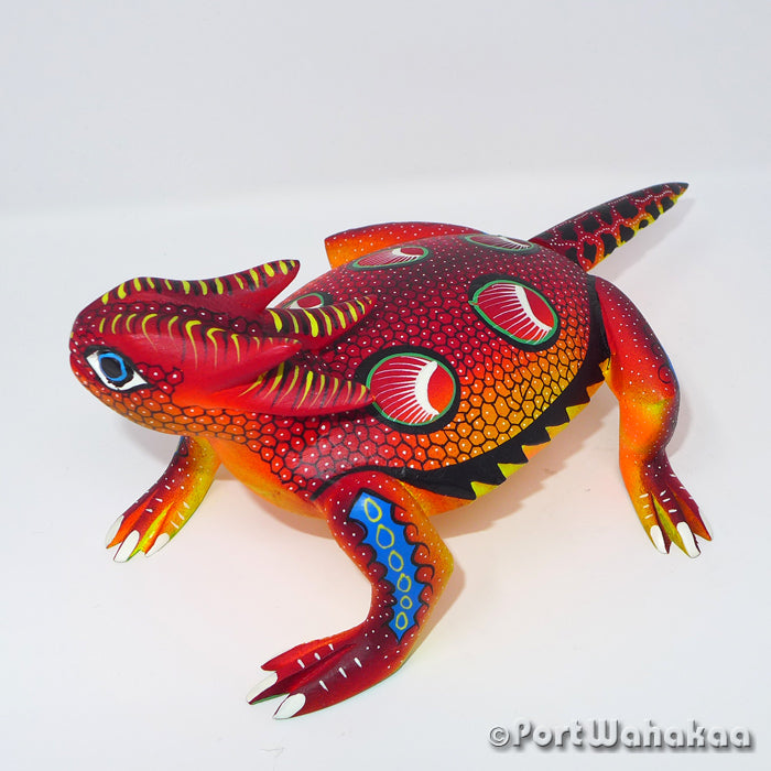 Regal Horned Lizard Oaxacan Carving Artist - Rogelio Blas Port Wahakaa Carving Medium, Chameleon, Reptile, San Pedro Cajonos