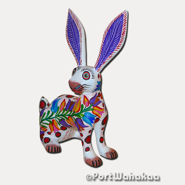 White Vine Flower Rabbit Oaxacan Carving Artist - Jose Olivera Port Wahakaa Carving Small, Conejo, Rabbit