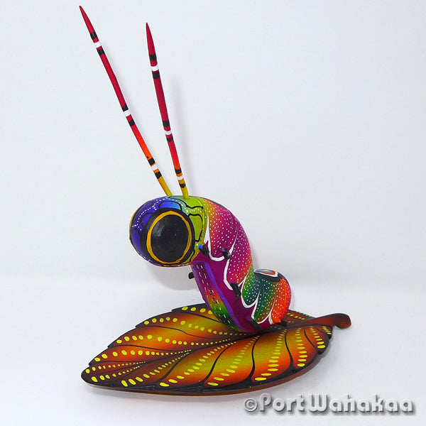 Autumn Caterpillar Leaf Oaxacan Carving Artist - Rogelio Blas Port Wahakaa butterfly, Carving Medium, caterpillar, Insect, San Pedro Cajonos