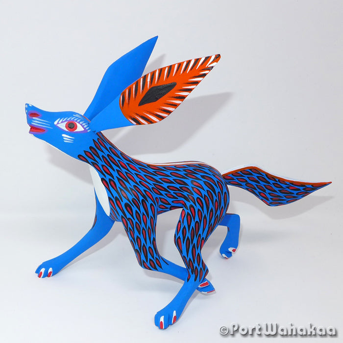 Frosty Blue Lobo Oaxacan Carving Artist - Antonio Carrillo Port Wahakaa Arrazola, Carving Medium, Coyote, Fox, Lobo, Wolf, Zorro