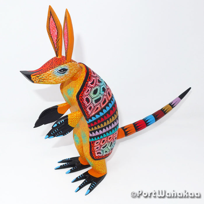 Mango Armadillo Oaxacan Carving Artist - David Blas Port Wahakaa Armadillo, Carving Medium, San Pedro Cajonos