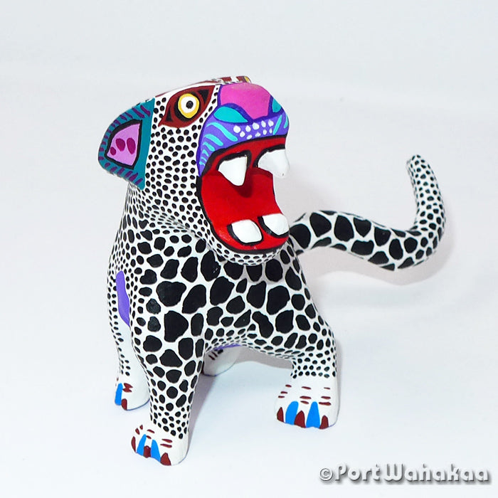 White Jaguar Oaxacan Carving Artist - Margarito Rodriguez Port Wahakaa Arrazola, Carving Small, Jaguar, Panthera