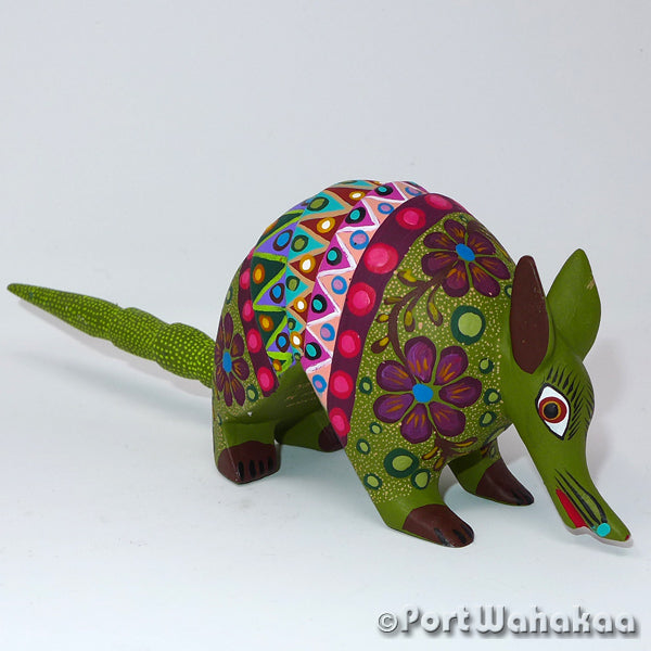 Olive Tree Armadillo Oaxacan Carving Artist - Jose Olivera Port Wahakaa Armadillo, Carving Medium, San Martin Tilcajete