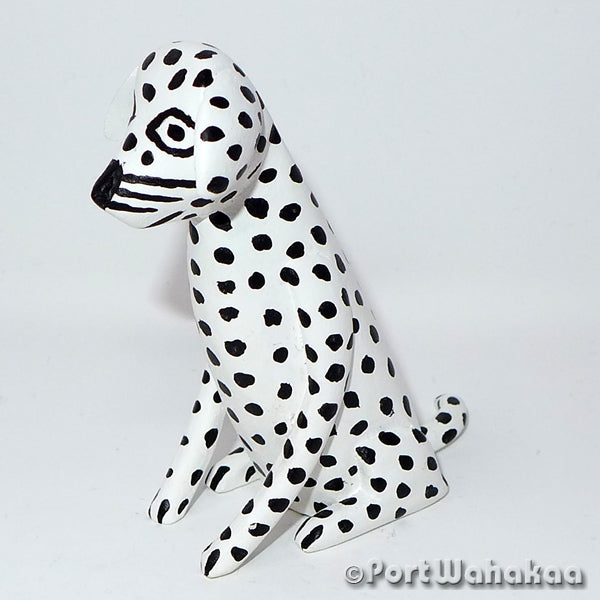 La Union Spotty Dog Oaxacan Carving Artist - Reynaldo Santiago Port Wahakaa Carving Small, Dog, La Union, Perro
