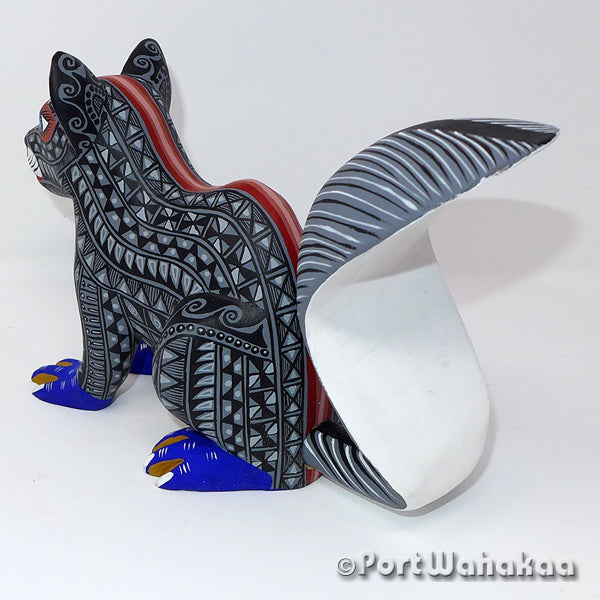 Grey Squirrel Oaxacan Carving Artist - Lauro Ramirez & Griselda Morales Port Wahakaa Ardilla, Arrazola, Carving Large, Squirrel