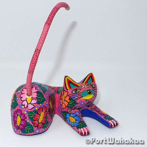 Strawberry Fields Cat Oaxacan Carving Artist - Maria Jimenez Ojeda Port Wahakaa Carving Small, Cat, Gato, San Martin Tilcajete
