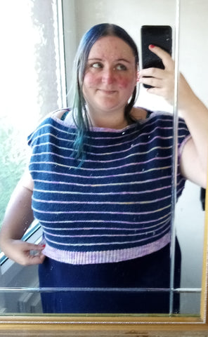 selfie of Becky - Ovis Yarns wearing a hand knit cropped jumper - Boardwalk Blouse