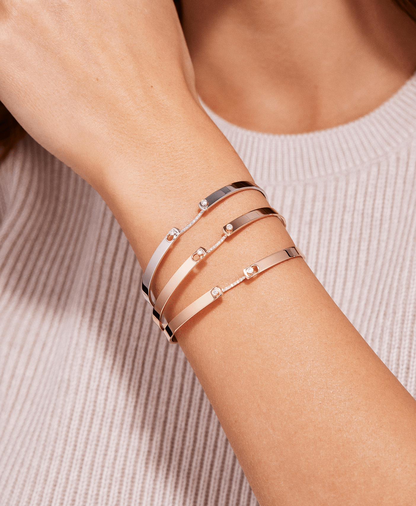 Business Meeting Mood Bangle: Discover Luxury Fine Jewelry | Nouvel Heritage