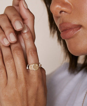 Diamond Signet Ring: Discover Luxury Fine Jewelry | Nouvel Heritage