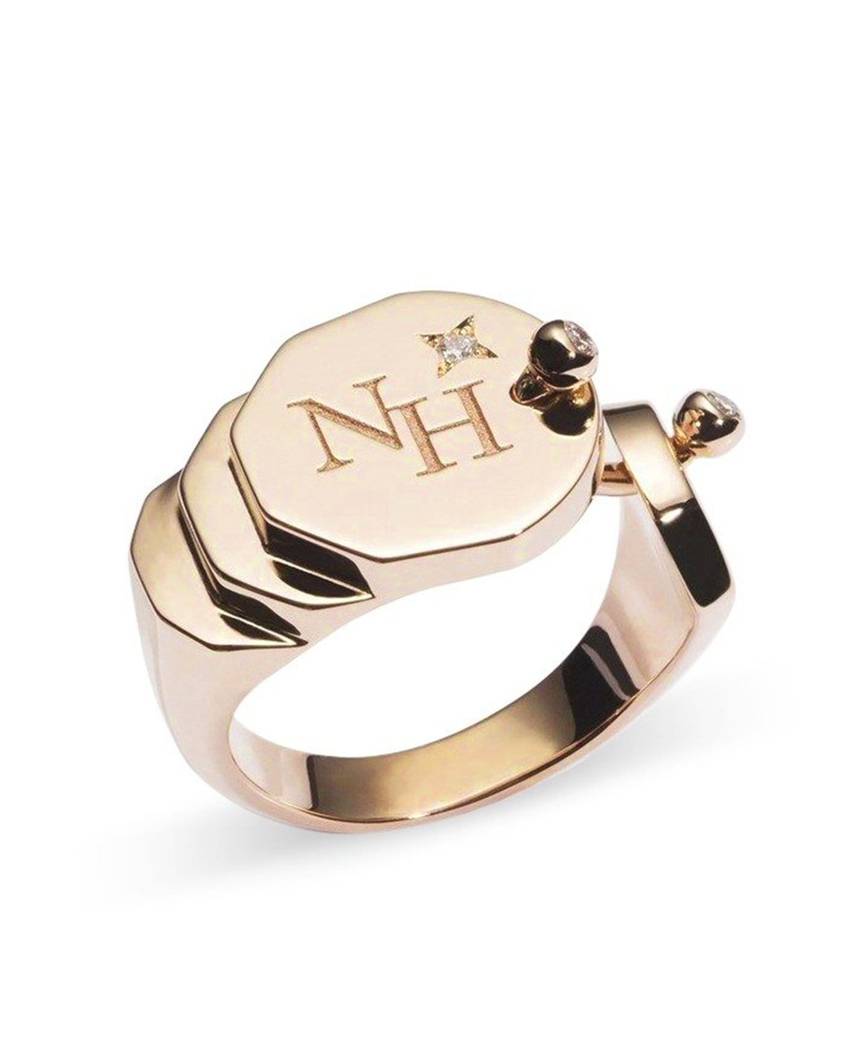 Gold Signet Ring: Discover Luxury Fine Jewelry | Nouvel Heritage || Yellow Gold
