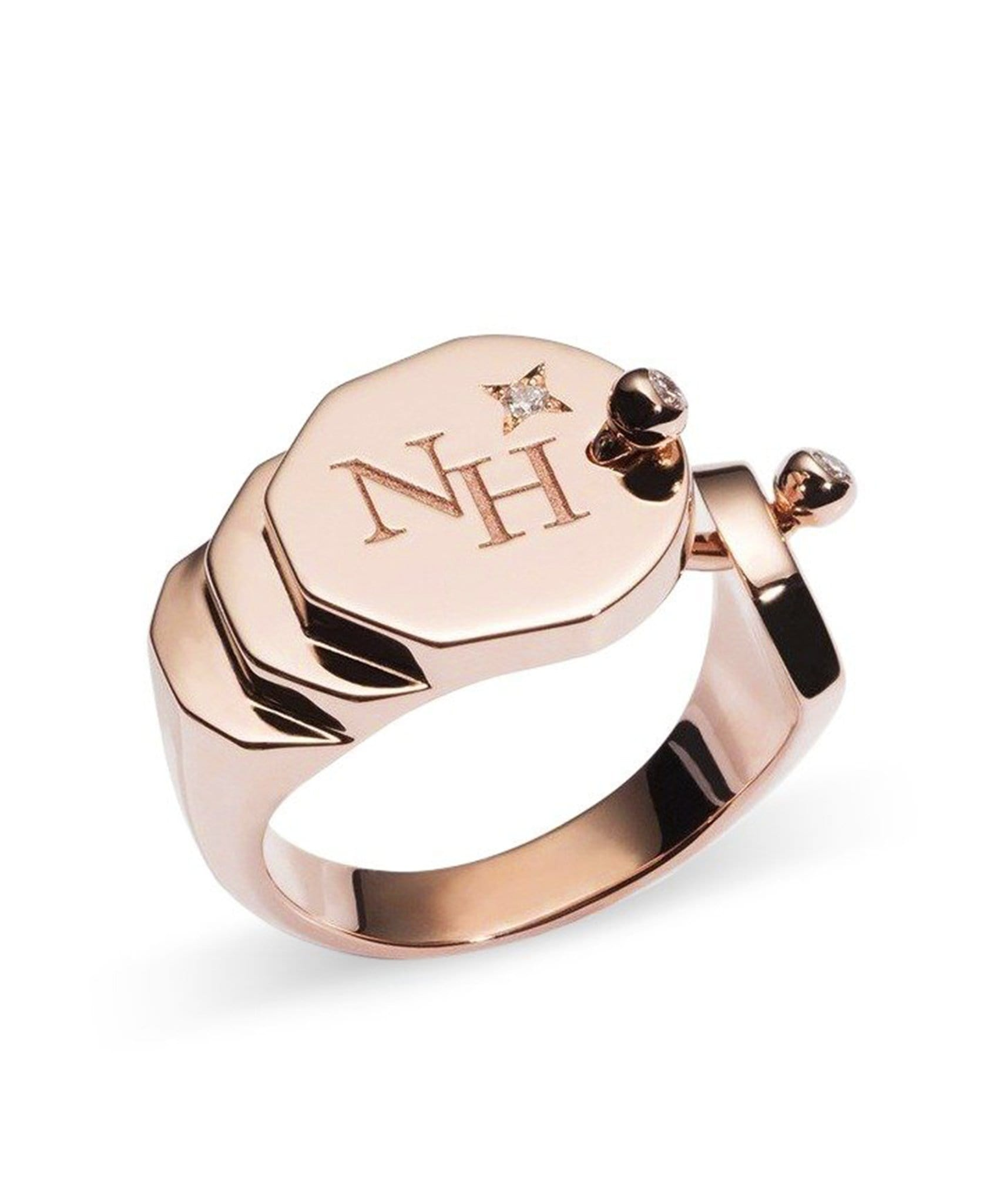 Gold Signet Ring: Discover Luxury Fine Jewelry | Nouvel Heritage || Rose Gold