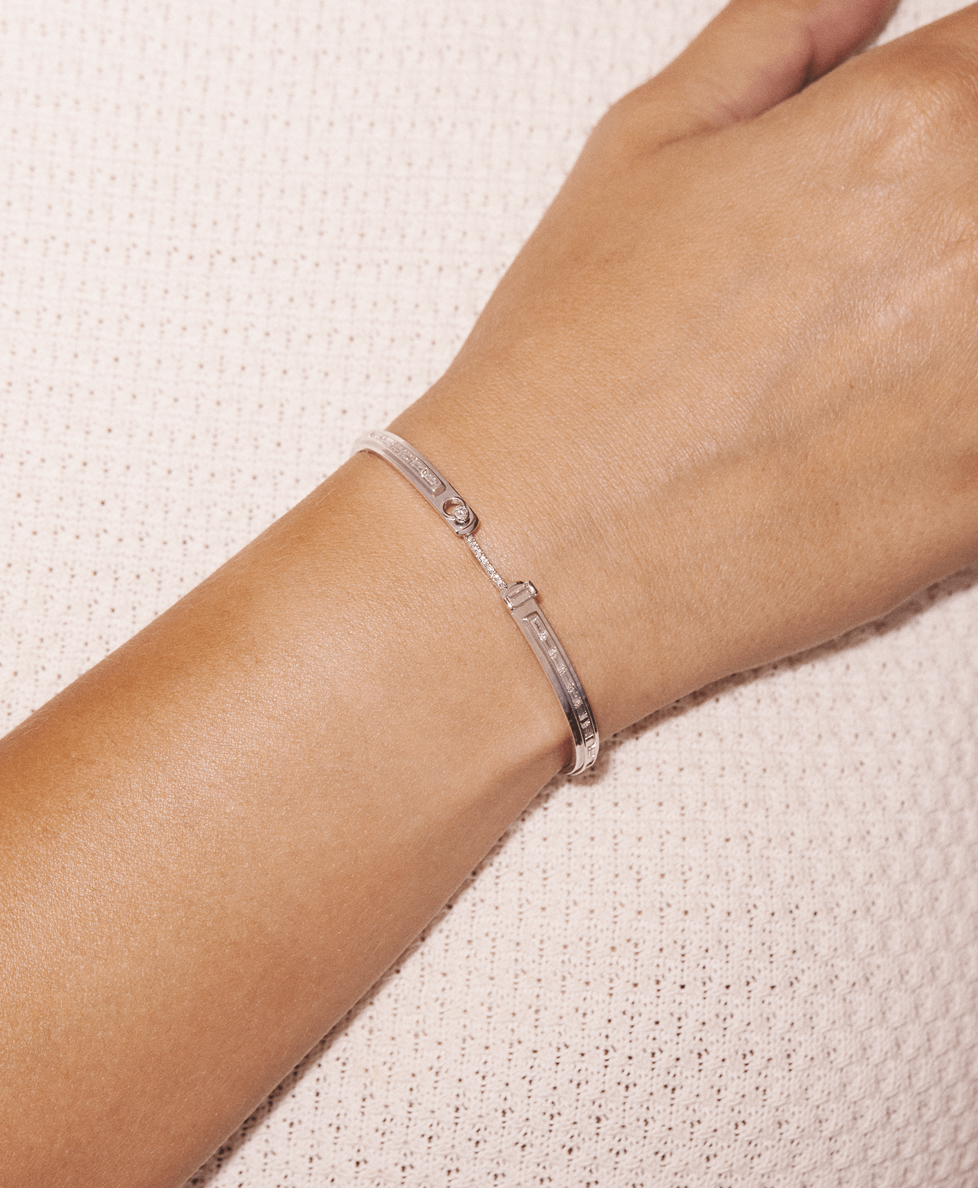My Best Friend's Wedding Mood Bangle: Discover Luxury Fine Jewelry | Nouvel Heritage
