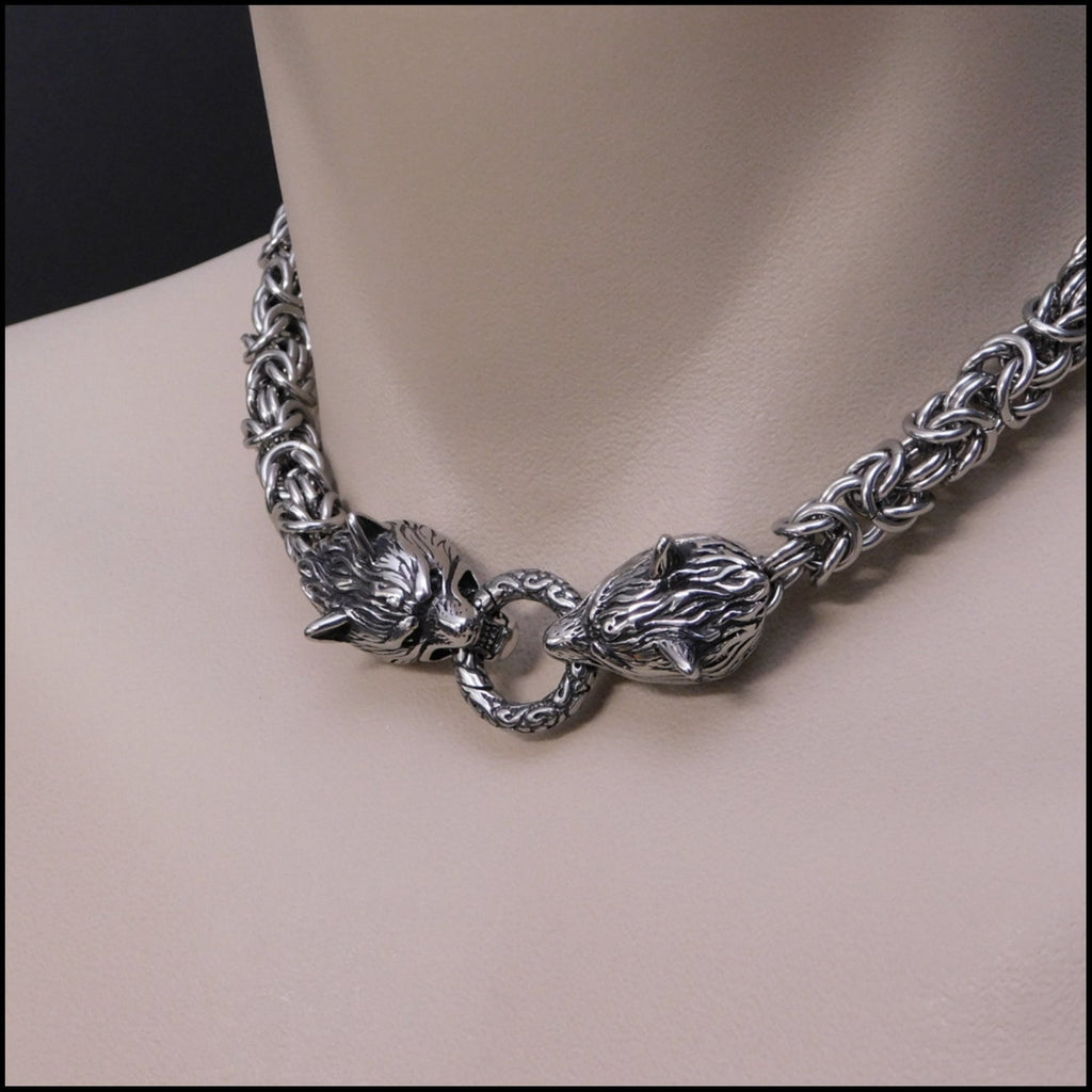 Snarling Guardian Wolves Thick 9mm Chainmaille Necklace - Hypoallergenic and Non-tarnishing