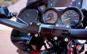 Kraus Moto T-Bar Setup on a 2018 Road Glide with Bassani Road Rage Exhaust