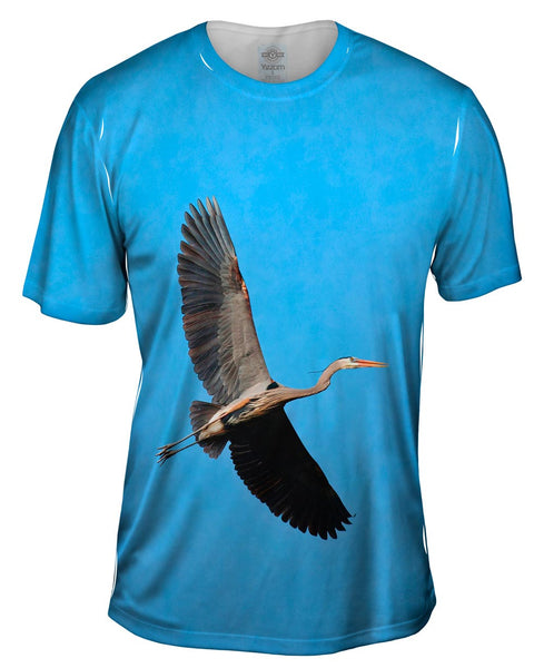 Great Blue Heron Flying Mens T-Shirt