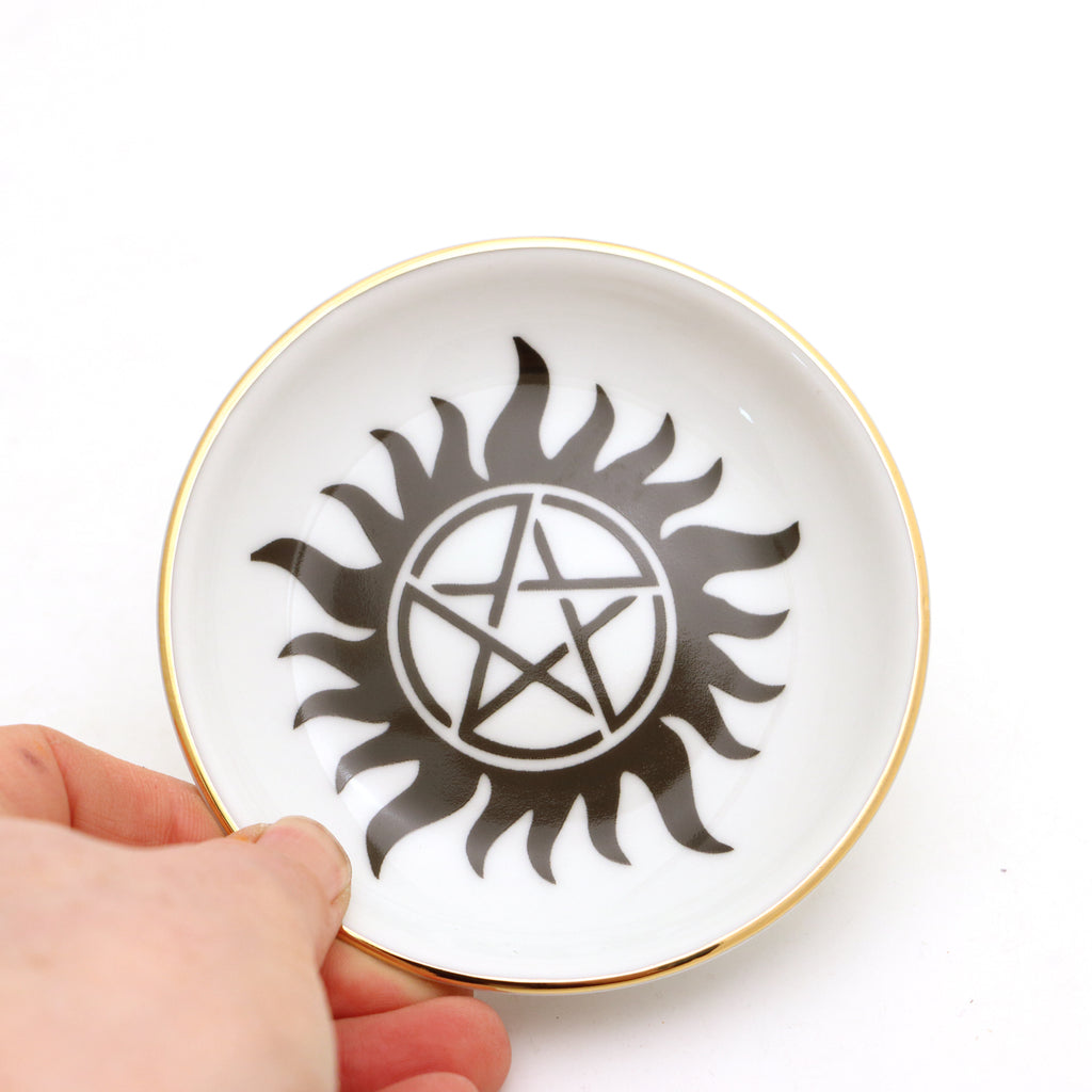 Pentagram ring dish, Wicca ring dish with 22 K gold