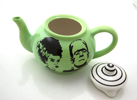 Can be personalized! Mr and Mrs , personalized wedding gift, Frankenstein and Bride teapotThis is a