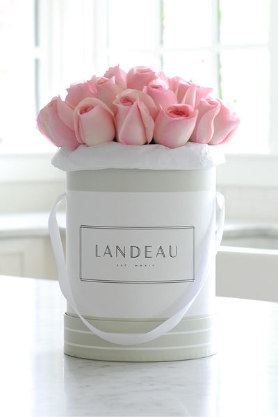 Pink roses available for luxury flower delivery in a bouquet in Chicago, New York City, Portland, Los Angeles, Paris, and San Francisco. 25 roses in a box delivered to celebrate your anniversary or birthday