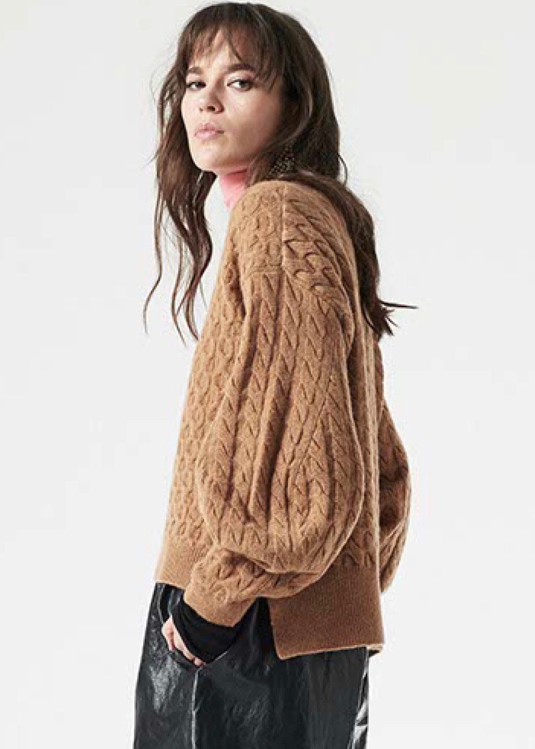 Nude v neck sweater in camel