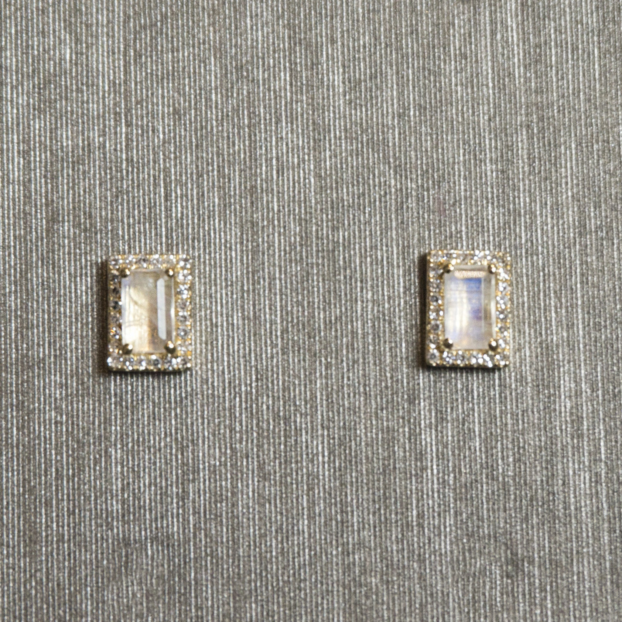 Rocks with Soul Moonstone and Diamond Studs Yellow Gold