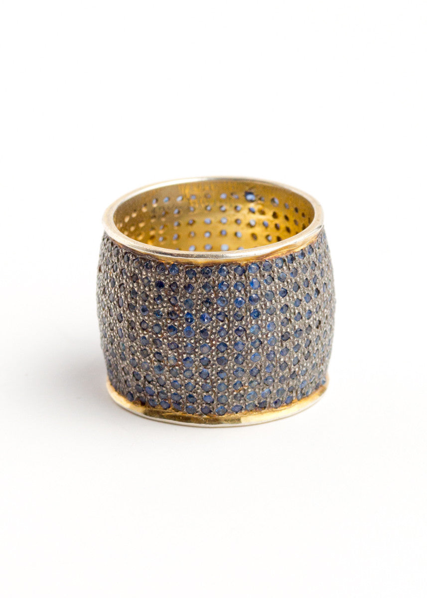 Lera Jewels sapphire on yellow gold curved band