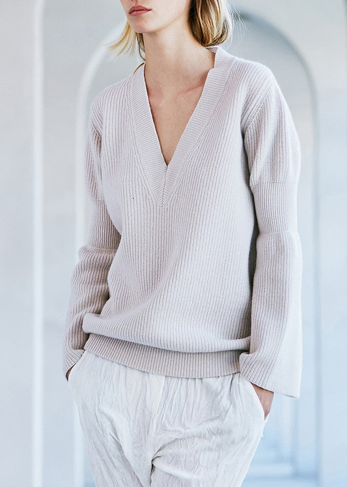 Nude v neck sweater gypsum