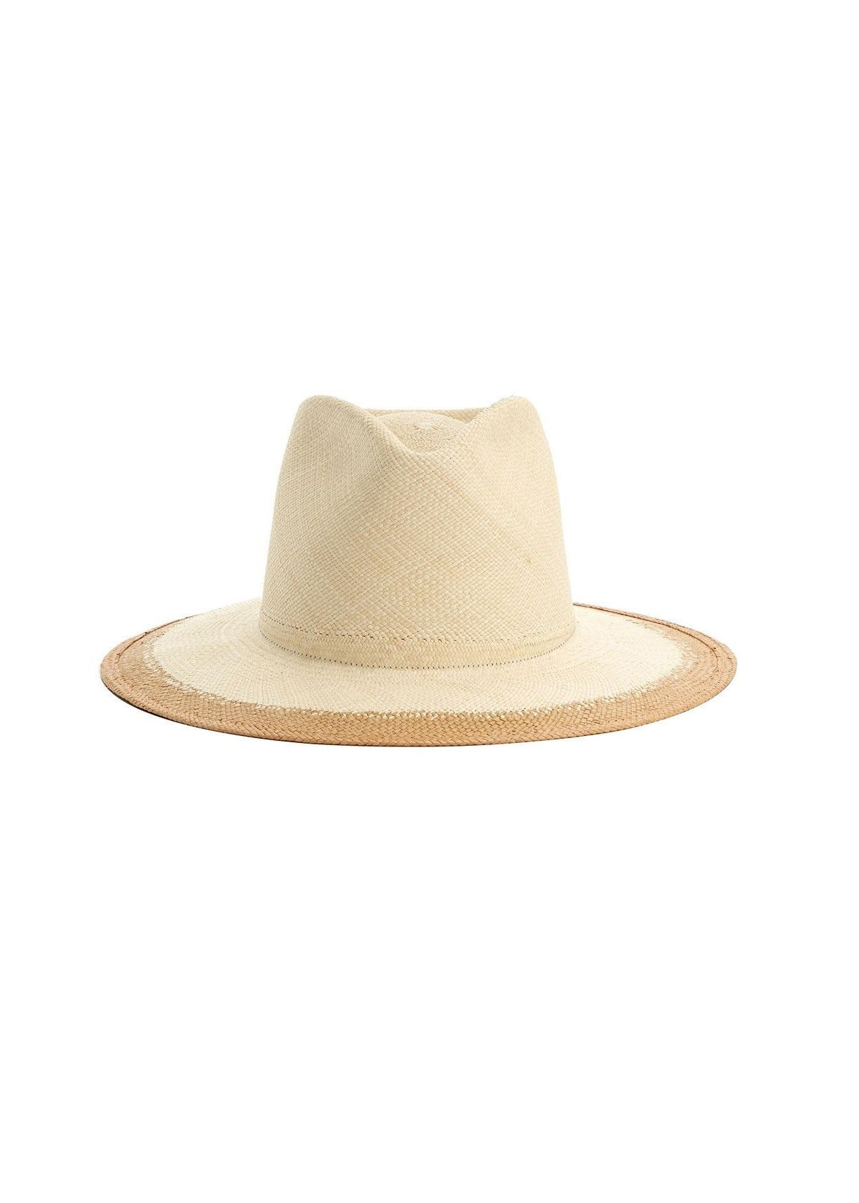 Janessa Leone Liana hat in natural