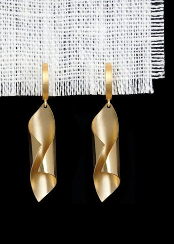 Designs by Alina twisted/textured 18K gold pendant earrings