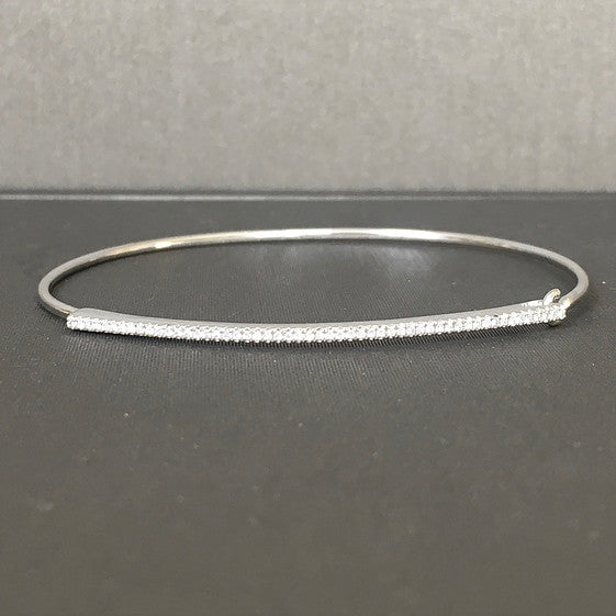 Rocks with Soul 0.16 k diamond bangle in 14k gold