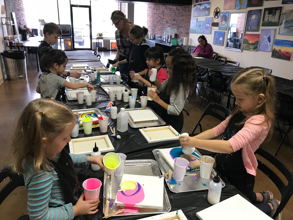 "Sat, Feb 1, 9a-11a ""Kids Paint: Acrylic Pour"" Houston Public Painting Class"