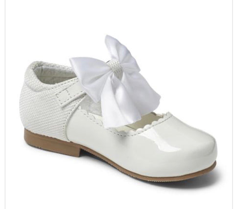 Sevva Girl's White Bow Hard Sole Shoes