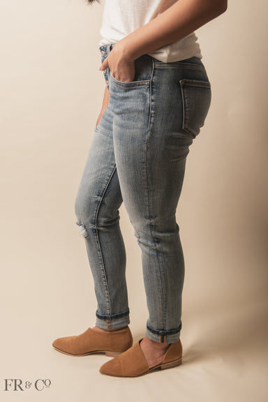 Sawyer Distressed Jean