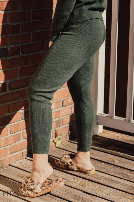 Maren Ribbed Pants - Evergreen