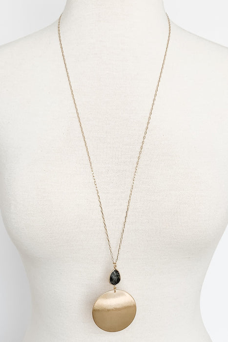 Black Stone and Round Metal Pendant Necklace