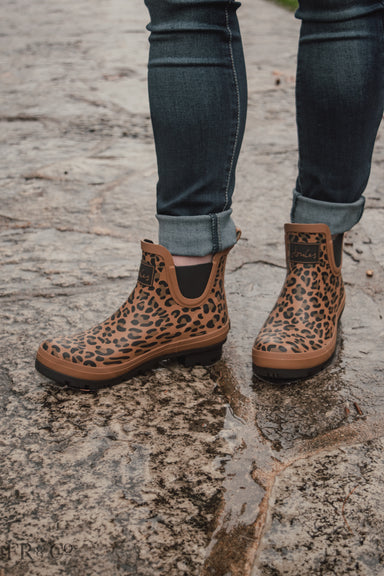 Leopard Printed Short Rain Boot