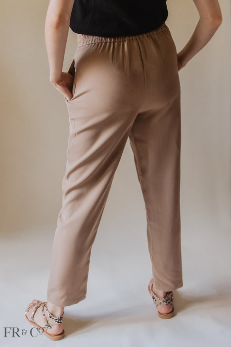 Classic Tapered Pants