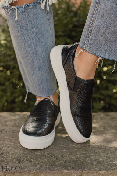 Gradient Black Slip-on Sneaker